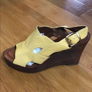 Hive & Honey leather/wood Wedges yellow 7M
